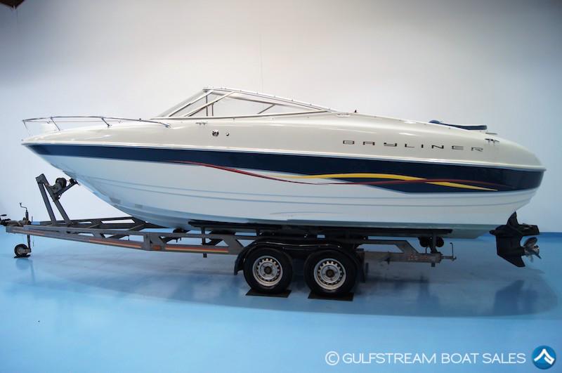 Bayliner 2352 LX Capri Cuddy Boat For Sale UK and Ireland