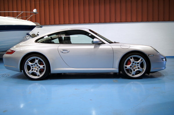 Porsche 911 Carrera S 997 3.8L with Sports Chrono Package For Sale