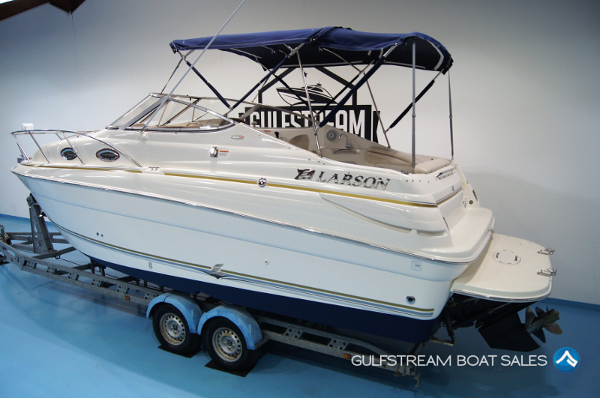 2004 Larson Cabrio 240 Sports Cruiser Boat For Sale UK and Ireland